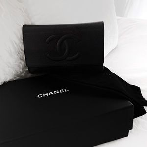 CHANEL CHAIN CLUTCH